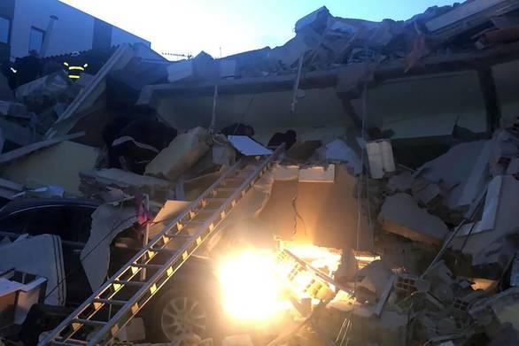 """Συγκλονίζει κάτοικος των Τιράνων: """"Ο σεισμός δεν σταματούσε"""""""
