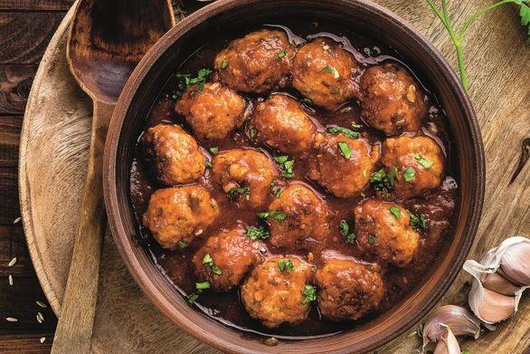 Μαγειρέψτε σουτζουκάκια με κονιάκ
