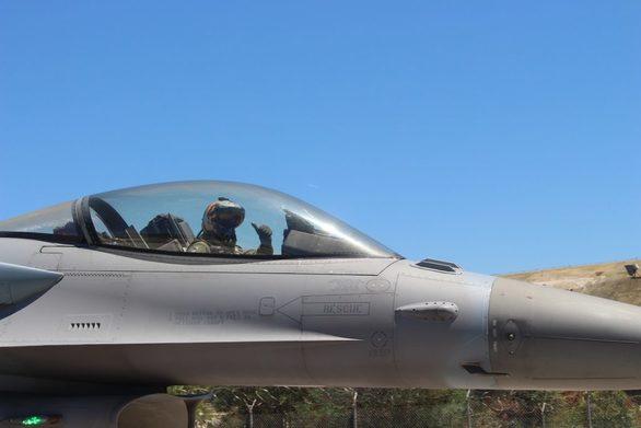 Βελγικά πολεμικά αεροσκάφη αποβιβάζονται στον Άραξο