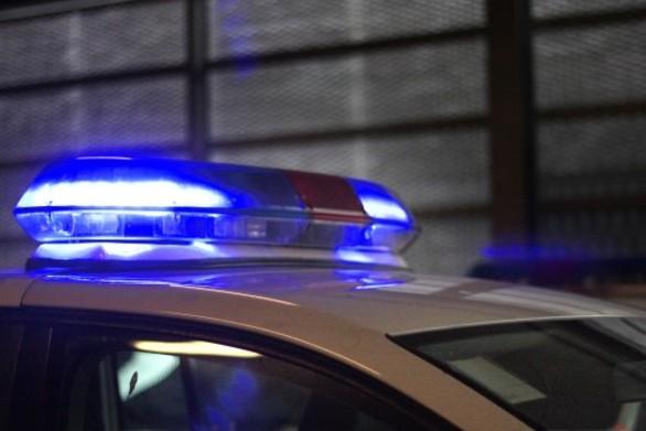 Πάτρα: Αυτοκίνητο έπεσε πάνω σε παρκαρισμένα οχήματα