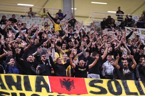 ΑΕΚ - Προμηθέας: Πανό στήριξης για την Αλβανία