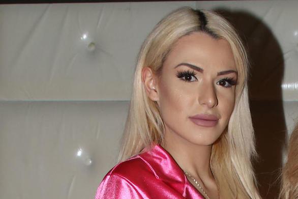 Η Στέλλα Μιζεράκη διέψευσε ότι έχει σχέση με τον Γιάννη Λεβεντάκη (video)