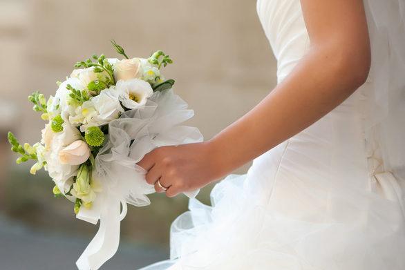 Τρίκαλα - Διαλύθηκε γάμος μετά τα χαστούκια της πεθεράς στη νύφη