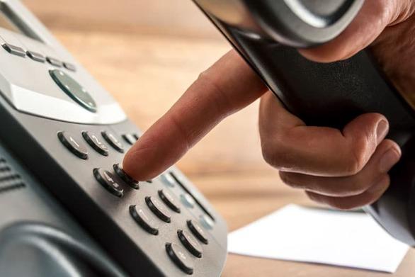 Συνελήφθη συνταξιούχος επειδή έκανε 24.000 κλήσεις σε εταιρεία τηλεφωνίας για να παραπονεθεί