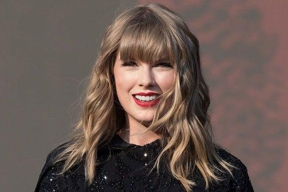 Taylor Swift - Το νέο της video clip περιέχει εικόνες από την παιδική της ηλικία (video)