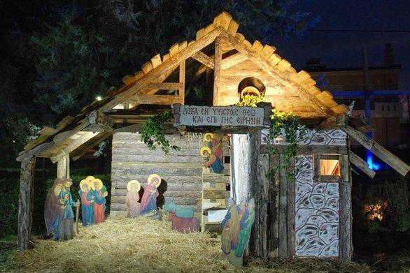 Πάτρα: Στήθηκε η φάτνη στα Κρύα Ιτεών στην ενορία του Αγίου Αντωνίου! (φωτο)