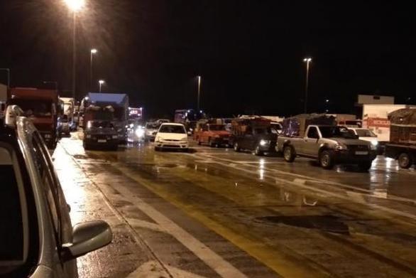Πάτρα: Ουρές αυτοκινήτων στην έξοδο της Περιμετρικής στα Μποζαΐτικα