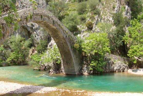 Εξόρμηση στο γεφύρι της Αρτοτίβας - Εκεί που η φυσική ομορφιά απογειώνεται (pics+video)
