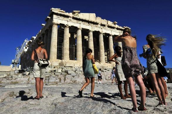 ΕΛΣΤΑΤ: Ήρθαν περισσότεροι τουρίστες φέτος