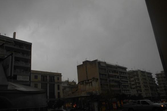 Δυνατή καταιγίδα πέρασε από το κέντρο της Πάτρας (pics+video)