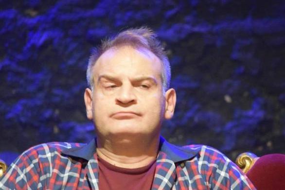 Τάσος Γιαννόπουλος: «Είναι δικαίωμα του Μπέζου να μη θέλει να βγάζει φωτογραφίες»