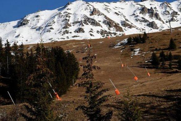 Γκρίνια στα χιονοδρομικά κέντρα από τους επαγγελματίες - Γίνονται ακυρώσεις