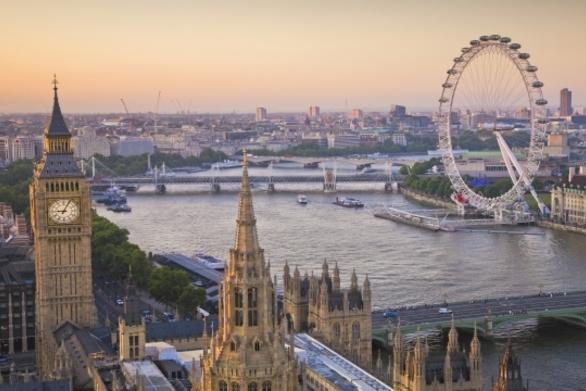 Μεγάλη Βρετανία - Καλεί τους πολίτες της να μην ταξιδεύουν σε Ιράν και Ιράκ