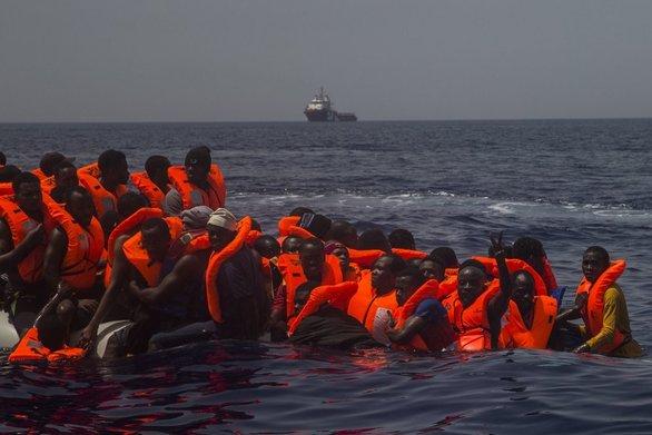 «Le Monde»: Ασφυκτιούν τα κέντρα φιλοξενίας και στη Βόρεια Ελλάδα