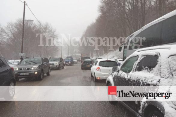 Πήλιο: Κυκλοφοριακό έμφραγμα εν μέσω χιονιά (φωτο)