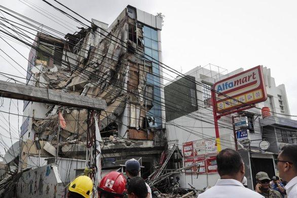 Ινδονησία: Πενταώροφο κτίριο κατέρρευσε στην Τζακάρτα