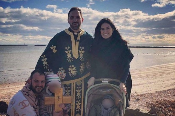 Ο Πατρινός Κωνσταντίνος Πατέντας βούτηξε στα παγωμένα νερά του Ατλαντικού για τον Σταυρό!