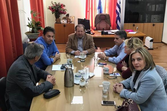 Αιγιάλεια: Ο Δημήτρης Καλογερόπουλος συναντήθηκε με τους επικεφαλής των παρατάξεων του Δημοτικού Συμβουλίου