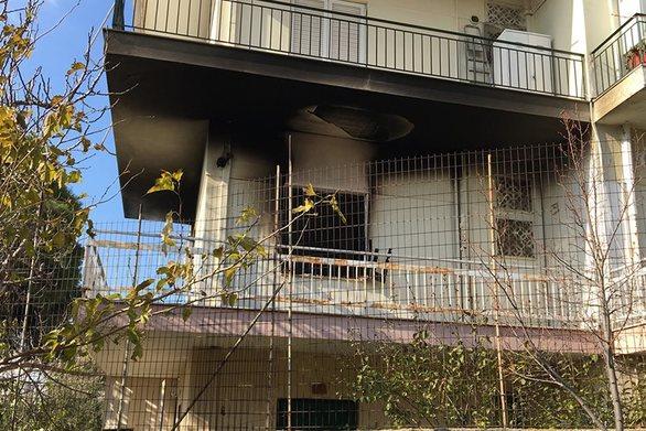 Φωτιά σε διαμέρισμα στα Μελίσσια - Ένας τραυματίας