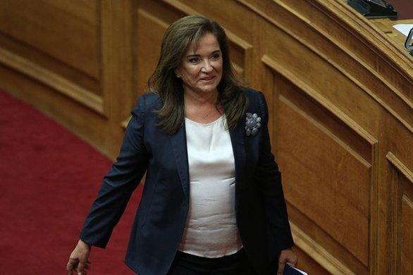 """Ντόρα Μπακογιάννη: """"Λάθος η μη συμμετοχή της Ελλάδας στη Διάσκεψη του Βερολίνου"""""""