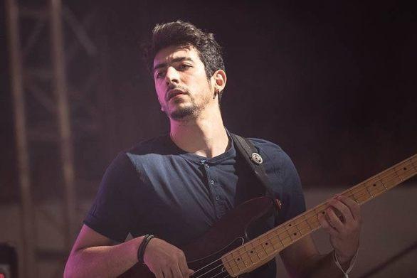 Κωνσταντίνος Σπηλιωτόπουλος - Ένας Πατρινός μπασίστας στο νέο δίσκο του Εισβολέα (video)