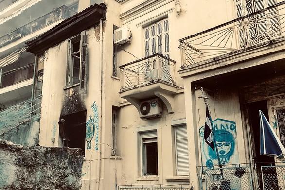 Καβάλα: Πυρκαγιά από θερμάστρα σε παλιό σπίτι