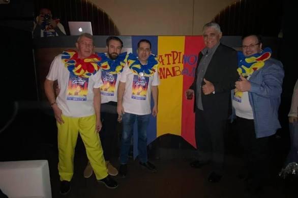 """Ο """"δράκος"""" Παναγιώτης Γιαννάκης στο πάρτι του Πατρινού Καρναβαλιού στην Νέα Υόρκη!"""