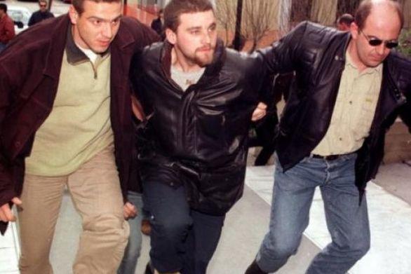 Σε τέσσερις φορές ισόβια και 49 χρόνια καταδικάστηκε ο Κώστας Πάσσαρης