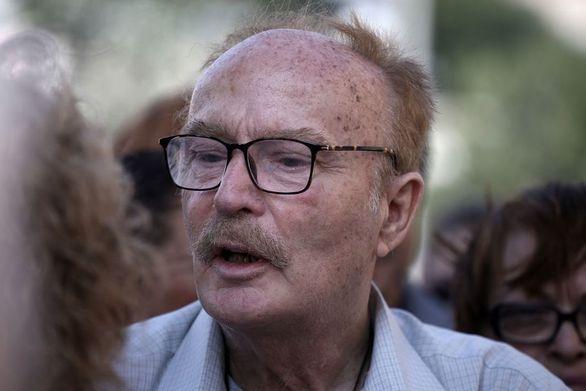 Ντίνος Καρύδης: «Σκέφτομαι σοβαρά να αυτοκτονήσω»
