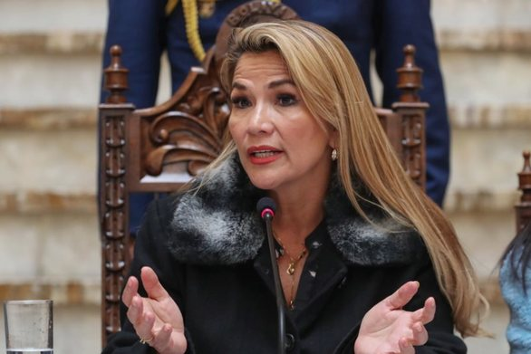 Βολιβία: Η μεταβατική πρόεδρος ζήτησε τις παραιτήσεις όλων των υπουργών της