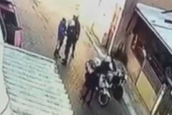 """Μπαλάσκας: """"Εξαφανίστηκε ο αστυνομικός που χαστούκισε το παιδί"""""""