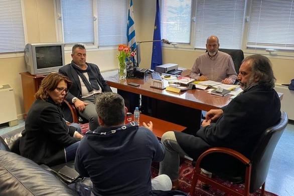 Πάτρα: Πραγματοποιήθηκε σύσκεψη στο γραφείο του Χ. Μπονάνου για τη βελτίωση των διαδικασιών έκδοσης αδειών κυκλοφορίας