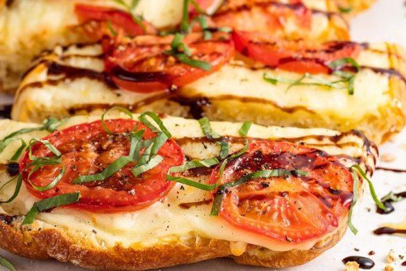 Σκορδόψωμο με τυρί στο φούρνο