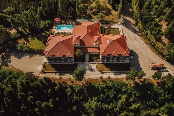Το ξενοδοχείο Crystal Mountain στην Άνω Χώρα Ναυπακτίας ζητά προσωπικό