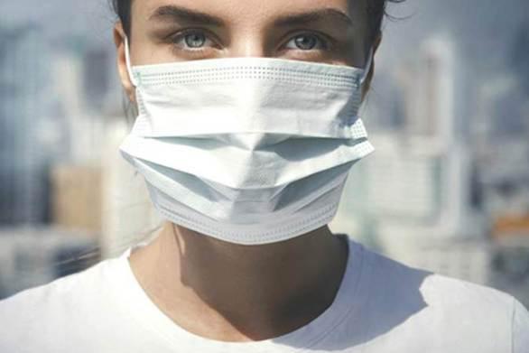 Κορωνοϊός: 10+1 οδηγίες για τη σωστή χρήση της χειρουργικής μάσκας