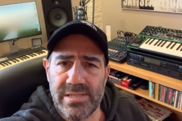 Ράδιο Αρβύλα - Το ανέκδοτο που αφιέρωσαν στους θαυμαστές τους (video)