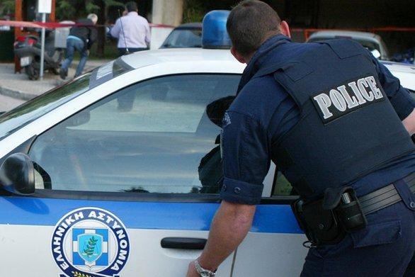 Σε εξέλιξη μεγάλη επιχείρηση της αστυνομίας στη Μενάνδρου