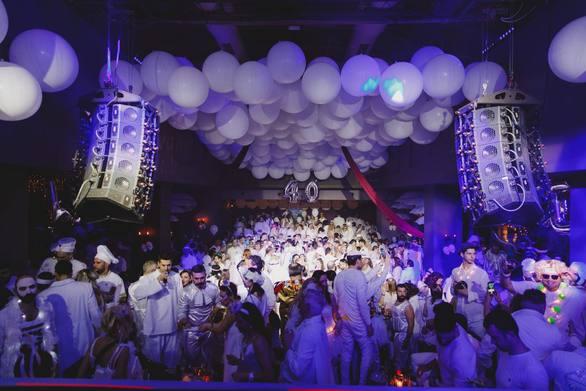 Λευκός Χορός... το event που χαρακτηρίζει το Πατρινό Καρναβάλι!