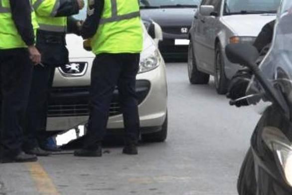 Πάτρα: Το παίρνει πάνω της η Τροχαία το θέμα της παράνομης στάθμευσης