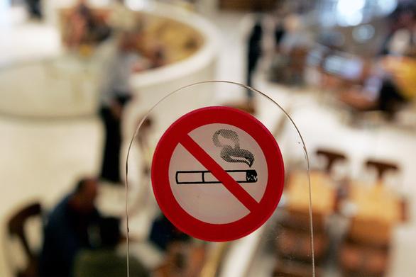Πάτρα: Έπεσαν πρόστιμα σε οχτώ καταστήματα για τον αντικαπνιστικό νόμο