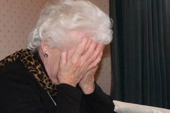"""Αχαΐα: """"Mαϊμού"""" λογιστές πήραν από ηλικιωμένη χρήματα και κοσμήματα αξίας 10.000 ευρώ"""