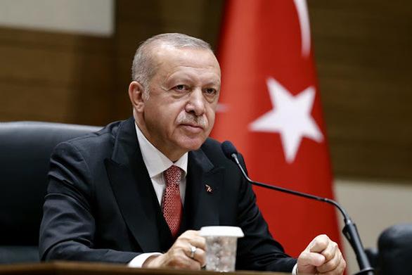 Ο Οσμάν Καβαλά υποστηρίζει πως συνελήφθη ξανά μετά από παρέμβαση του Ερντογάν
