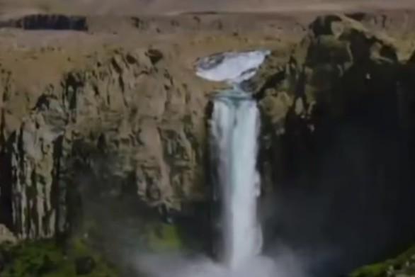 26χρονος Αμερικανός πέφτει με κανόε καγιάκ από καταρράκτη ύψους 40 μέτρων (video)