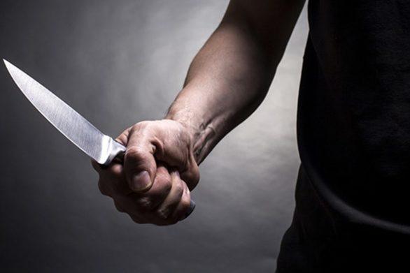 Δυτική Ελλάδα: Ανήλικος τραυμάτισε γνωστό του με μαχαίρι και έκλεψε δύο κράνη