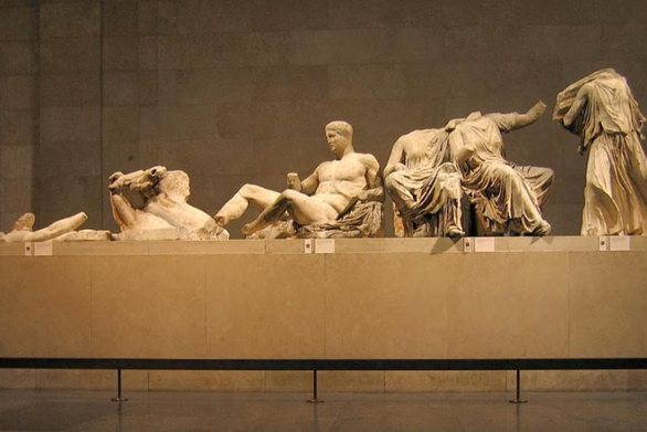 Guardian για γλυπτά του Παρθενώνα: Η κυβέρνηση Τζόνσον θα πρέπει να κατανοήσει την Ελλάδα