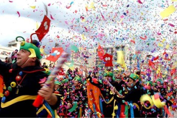 Κορωνοϊός: Στην Αθήνα το τρίτο κρούσμα - Ακυρώνονται όλα τα καρναβάλια στη χώρα