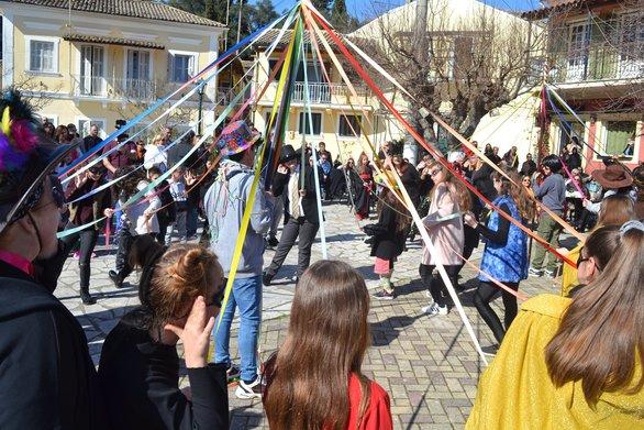 Ακυρώνονται οι καρναβαλικές εκδηλώσεις των Δήμων Αιγιαλείας και Ναυπακτίας
