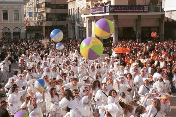 Πάτρα: Πληρώματα κρατούν τις στολές τους για το καρναβάλι του 2021
