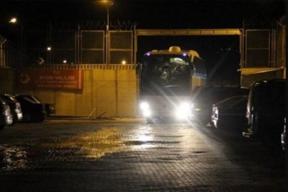 """Τούρκος δημοσιογράφος: """"Η ροή προσφύγων προς την Ελλάδα συντονίζεται από την ΜΙΤ"""" (video)"""