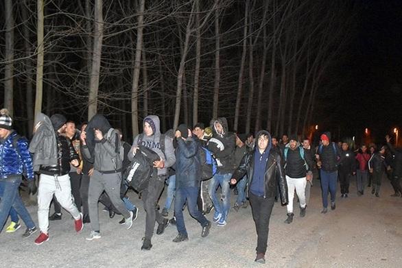 Κόντρα κυβέρνησης - ΣΥΡΙΖΑ για το μεταναστευτικό